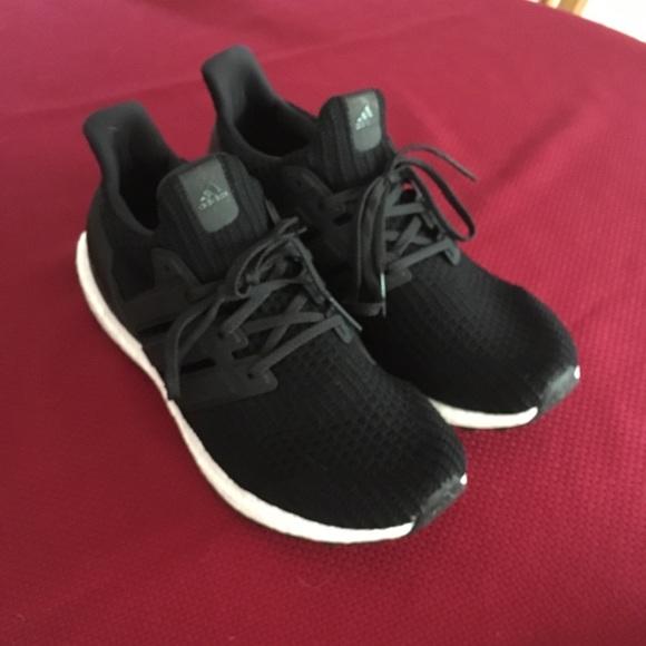 ultra boost black size 11